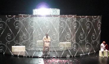 2010 Zwei Opern des Komponisten Luis de PabloMis en scène : Blanca LiDirection musicale : José Ramón EncinarVidéo : Charles CarcopinoAssistante vidéo : Simone Wedel