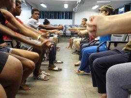 2013 Curso de Extensao Studenten während des Tanztheater Kurs an der staatlichen Universität von Feira de Santana Dozent in Theater und Tanzwissenschaften Frank Haendeler