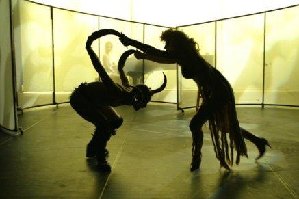 2004 Performance Earthlinks Choreographie und Performance Diane Elshout und Frank haendeler in Zusammenarbeit mit regisseur Felix de Roij NL