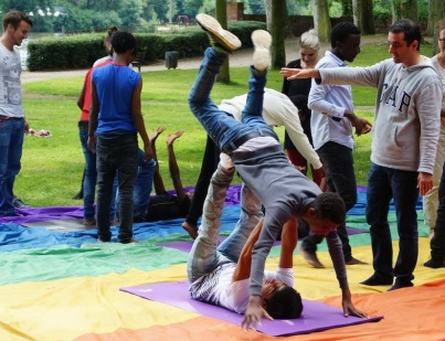 2016 Abenteuer Sommerferien - acrobats and teachers- K Manheshkarimy