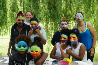Maskenworkshop mit Michaela Strohmeyer - Projekt Abenteuer Sommerferien - Feder im Wind 2016