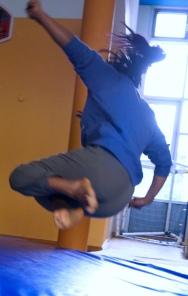 Mädchenworkshop Akrobatik PROJEKT Wir sind die Welt von Jetzt
